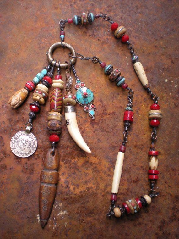 amulet-necklace-tibet