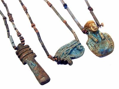 bead-necklaces-1-djed-pillar-1-heart-of-osiris-1-eye-of-horus-amulet