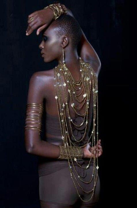egy kis afrika4 Oumou Sy