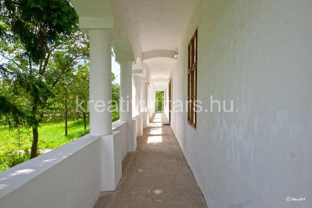 white-old-verandah